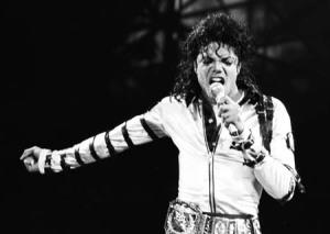 25 / junho / 2009 - Michael Jackson morre após parada cardíaca
